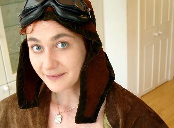 Pilot lite: Gaia as Amelia Earhart (©JE)