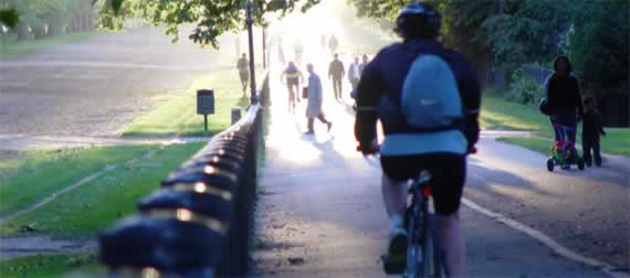 Cycling 2: … as this everything-is-illuminated moment in Hyde Park symbolises